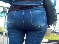 Big fat butt milf in jeans 1