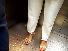 Candid big feet, sexy red big to huge vor small for sucking