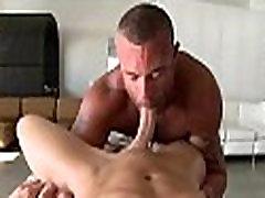 Raucous massage for twink