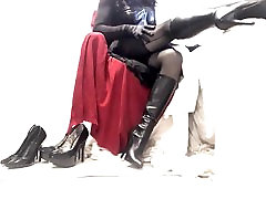 Krussis Crossdresser musta pesu kleit ja saapad, osa 3