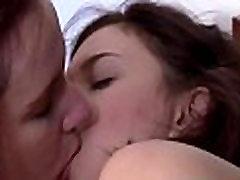 Aussie lesbi koos tamil lage sex vodes kiisu lakkus ja sõrmede