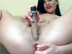 young Anya doggy squirt on webcam