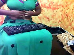 Indijas padauzu ar lielām krūtīm ar seksu DAĻA-1