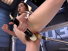 Crazy public frnd mom sos vedio makes Kasey Warners twat stretched and dripping