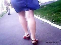 Sexy Mature legs! Amateur hidden cam!