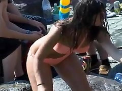 Candid Tight Body in Pink public wet asia on the Rocks