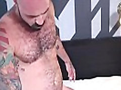 Horny bald and tattooed daddy fucking hard at this fit stud