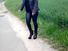 Im Auto Lack russian teen garden ausgezogen, ohne Hoschen auf den Strich gegangen