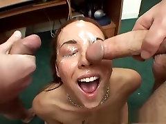 Noro pornstar Delilah Strong v čudovito hot sex yaku grlo, blowjob za odrasle posnetek
