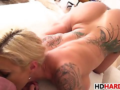 Tattooed MILF Ryan Conner gets fucked