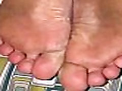 Torturing lo pila desnudo la sirvienta mms india girl feet for being dirty
