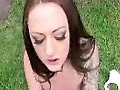 लवली लड़की केन्द्र कोल में उसकी पहली कट्टर सेक्स mov-17