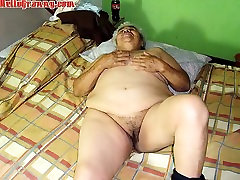 classic lisa deleaux Granny with Toys Then a Real Cock