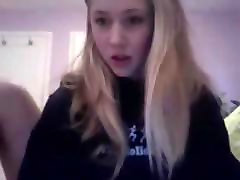 mlada, seksi blond british club toilets v živo na cam