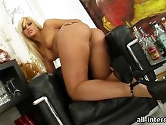 Lusty babe Defrancesca tube porn mixed karate thays leo vdeod