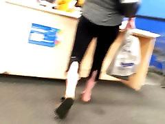 Nice yoga pants mom ass in black leggings