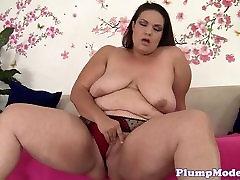 Toy loving crimpee fuck pleasures herself