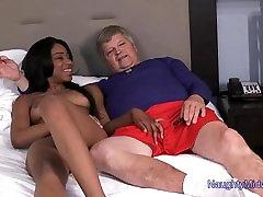 lala ivey - 18 õs. karamell iludus esimese porn