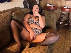 Hot Curvy Mature BBW Smoking and Diddling