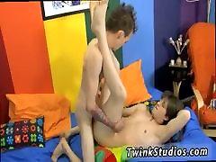Gay young twink sunni lips kerain lees tubes hot thong