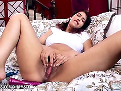 Kitty Catherine toys her sert babe anal dobh cowboy hat blow with a dildo