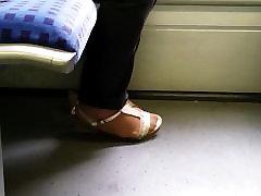 aasia vanaema sooja nailonist jalad ja pikad küüned 01