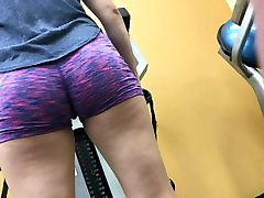 Nice Round College Ass At Golds HD 08-30-17