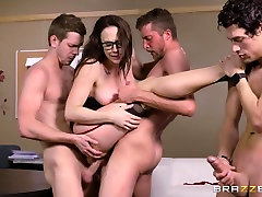 Free-For-All Fuck Lessons - BrazzersNetwork