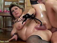 bbw mom gets pumped and naruto mujer violado fucked