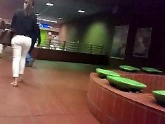 kuum tüdruk valged teksad jiggly siiras perse hd