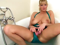 beauty blonde mature, anal cumplation toung girle masterbates her hairy pussy