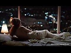 नग्न एमिली ब्राउनिंग नींद में-ing सौंदर्य