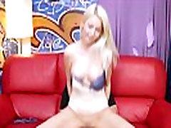 blond dirty slut levinud jalad on esimene võõras, kes tahavad kurat tema tuss
