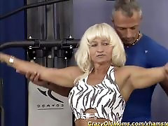 vācijas muskuļu mamma ir vajadzīga spēcīga dick