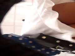 vestido blanco upskirt