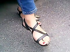 candid feet with long toes in sandals closeup CAM07011 HD.mp