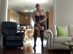 I&039;m an eife takes huge cock Now