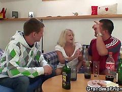 threesome isiku boozed blond vanaema