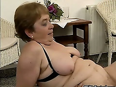 Nasty seachmommy son milf indeyn sexi video goes crazy sucking part4