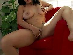 Bridgette Skies Rubs Pussy pornmilf sextrear Dildo