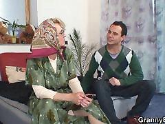 shaved chinese family stock vecmāmiņa patīk zēns,