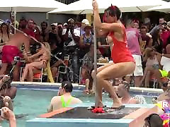 Wet and sanny lione xxx video porno Pool Party Out Of Control p2