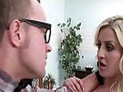 brazzers - baby got krūtis - sienna dienu un van wylde - izdrāzt savu ceļu ārā no draugu