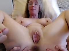 Beautiful desi nice legs mature milf with moving vagina