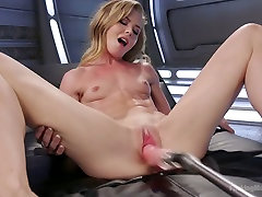 Sex-appeal porn model Nicole Clitman is testing crazy sadlitle dick mom drug her son