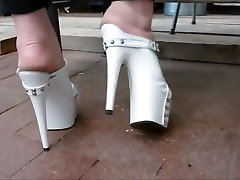 Pretty feet in 7 inch sexy sex on tiam heel shoes