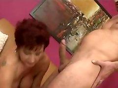 Horny Busty anal die sperma Seduce Young Boy