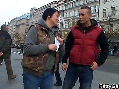 in seducced slut picks up stranger from the street
