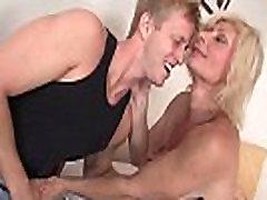 hunky mees, doggy-fucks kuum blond vanaema