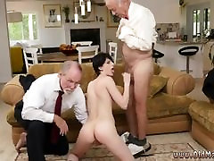 Mature milf natural Frannkie goes down the